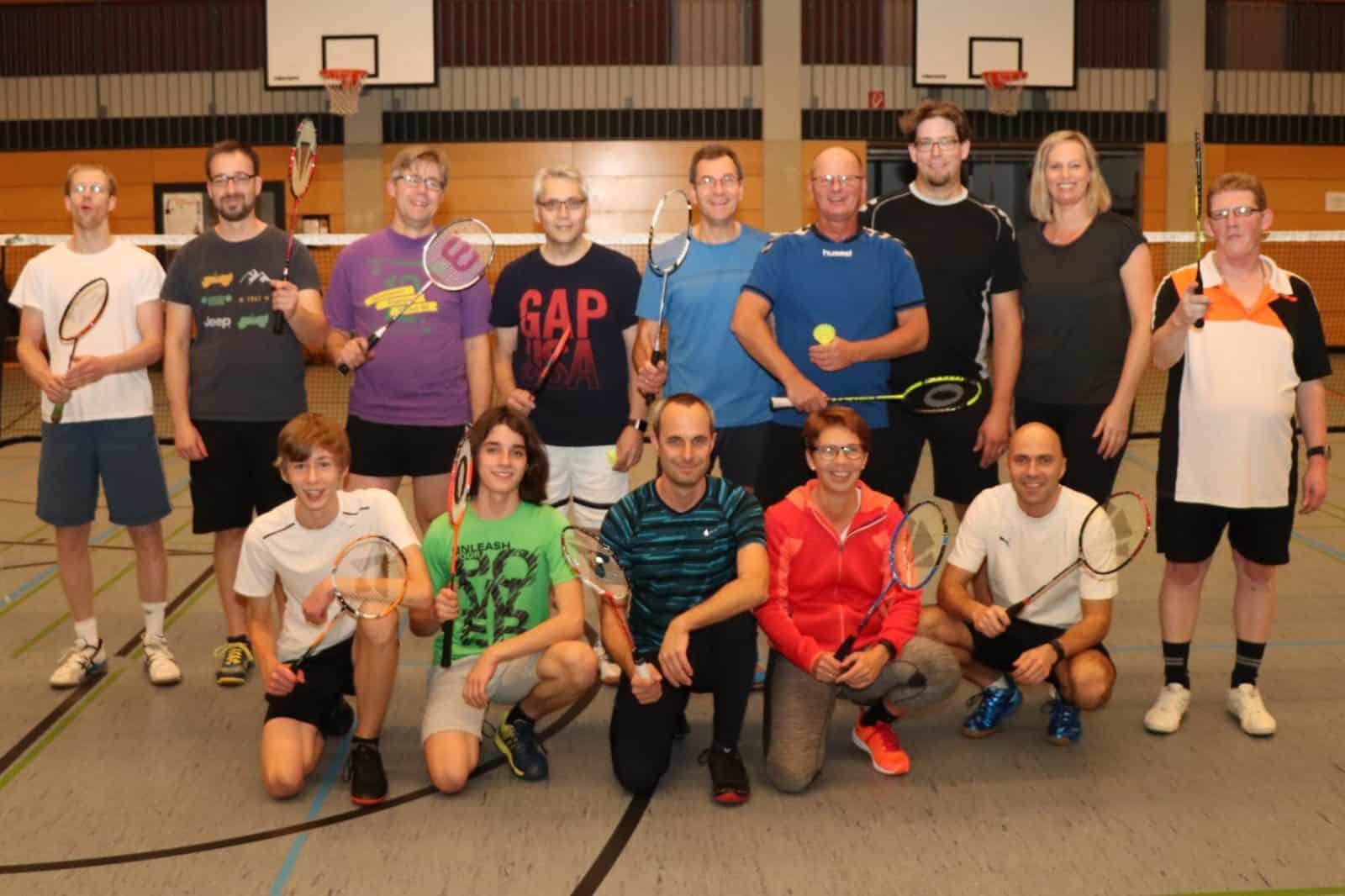 Torsten v.d. Weydt übergibt die Leitung der Badmintonabteilung an Axel Schulte